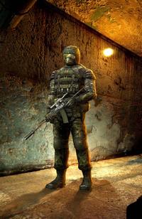 Военный сталкер в экипировке